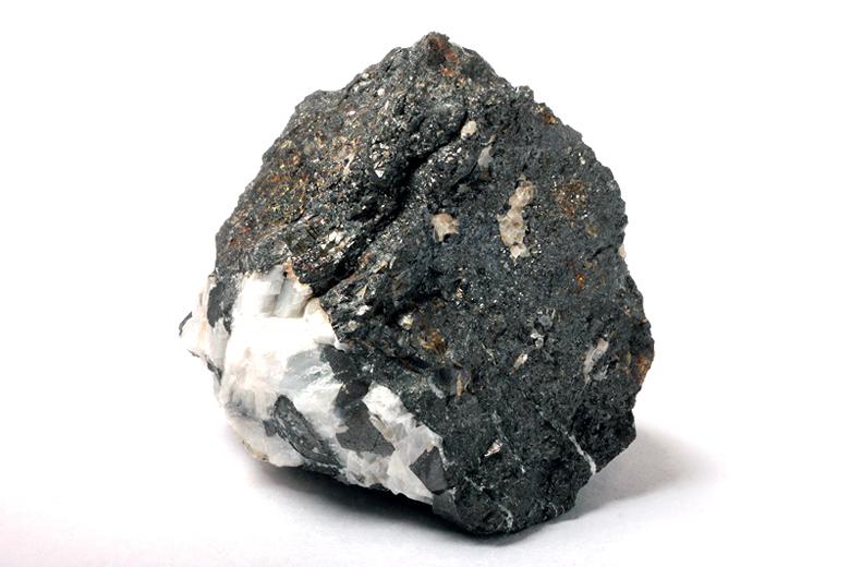 鉱物図鑑・磁鉄鉱